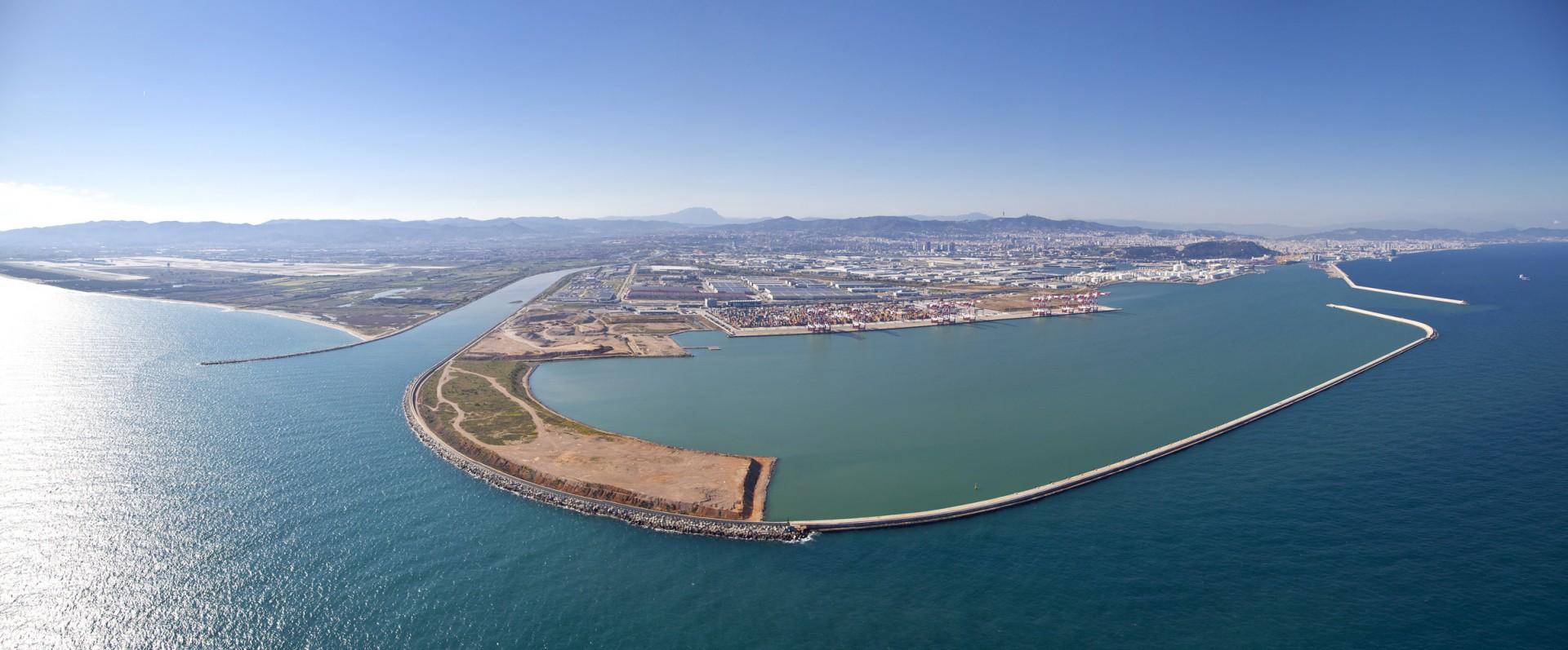 01-barcelona-aeria-Delta-Llobregat-port-terminal-best-ciutat