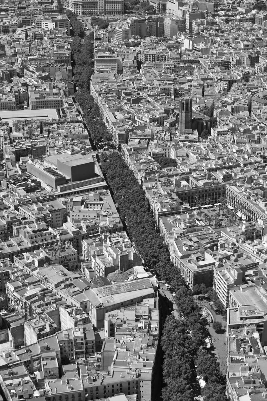 012-barcelona-aeria-rambles-plaça-reial-esglesia-pi